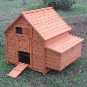 Poulailler-Bassette-L-6-à-8-poules-toit-bois