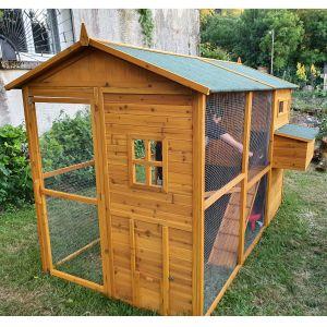 Poulailler-enclos-Gournay-toit-shingle-10-à-12-poules-vue-face-avant